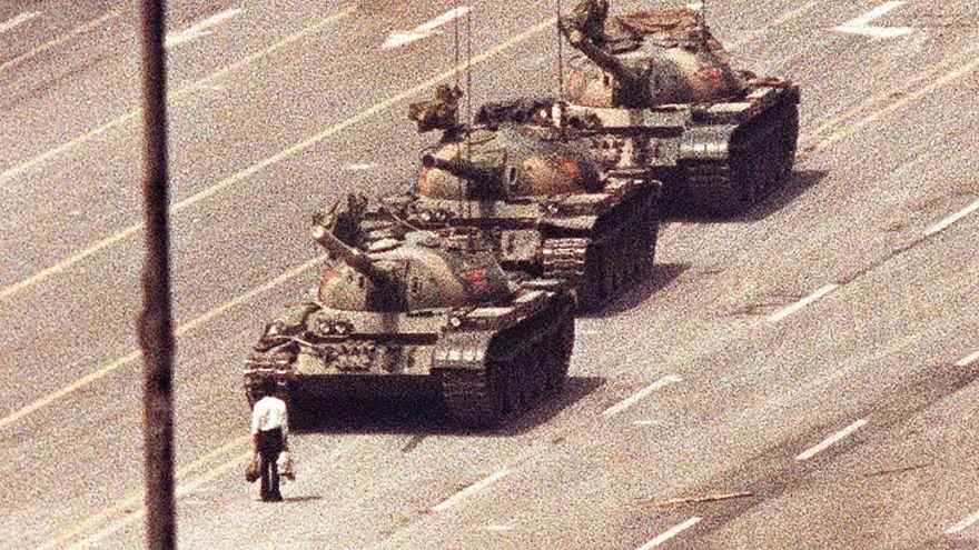 Tarihe 'Meçhul asi', 'Tank adam' olarak geçen sembol şahıs / 1989