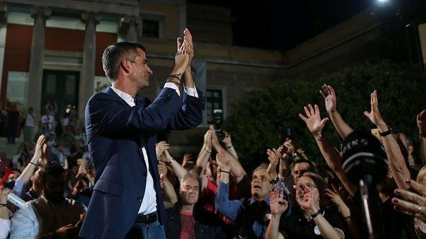 Elsöprő ellenzéki győzelem Görögországban