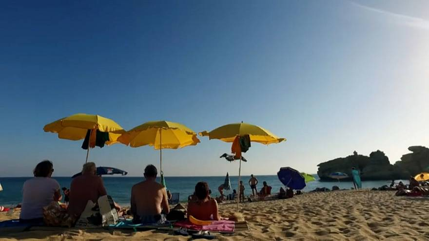 A svédeknek dönteniük kell: klímavédelem, vagy nyaralás?