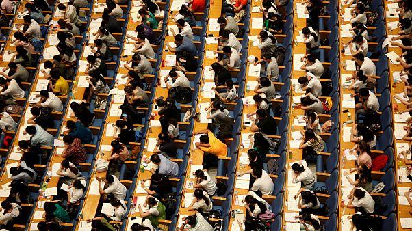 هشدار چین به دانشجویان متقاضی تحصیل در آمریکا