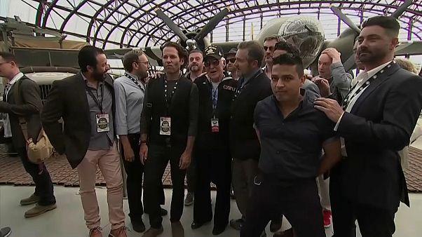 """""""Band of Brothers - Fratelli al fronte"""": gli attori della serie TV del 2001 incontrano i veterani"""