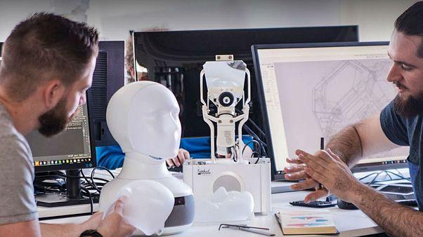 İsveç'te yapay zeka ve robot dönemi: İş mülakatlarında ayrımcılığı önlemek için robot kullanıldı