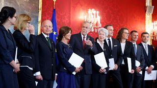 6 Frauen, 6 Männer: Expertenregierung in Wien vereidigt