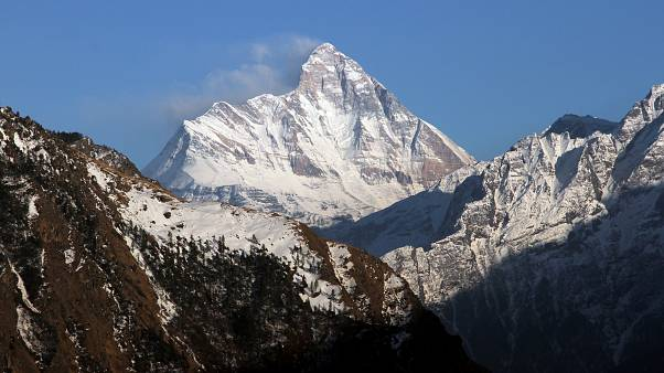 Hallados cinco cuerpos en la búsqueda de los escaladores desaparecidos en el Himalaya