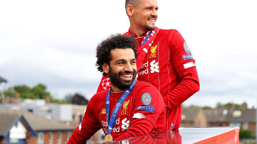 لاعب ليفربول محمد صلاح خلال احتفال فريقه باحراز اللقب دوري ابطال اوروبا