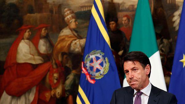 نخست وزیر ایتالیا: دعوا در دولت ادامه پیدا کند، استعفا میکنم