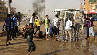 Σουδάν: Διεθνής κατακραυγή μετά το μακελειό του στρατού εναντίον των διαδηλωτών