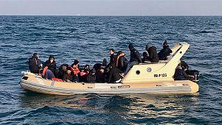 امام جماعت ایرانی به اتهام کمک به قاچاق مهاجران در فرانسه به زندان محکوم شد