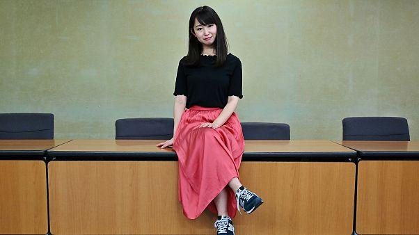 Japon kadınlar 'yüksek topuk'a isyan etti: Sağlık Bakanlığı devrede