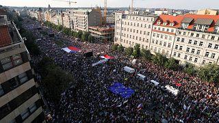 100 000 manifestants réclament la démission du Premier ministre tchèque