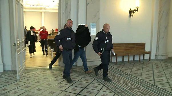 Francia: condannato imam che aiutava i migranti ad attraversare la Manica
