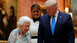 ترامپ در لندن؛ تبادل هدایا برای یادآوری تاریخ مشترک آمریکا و بریتانیا