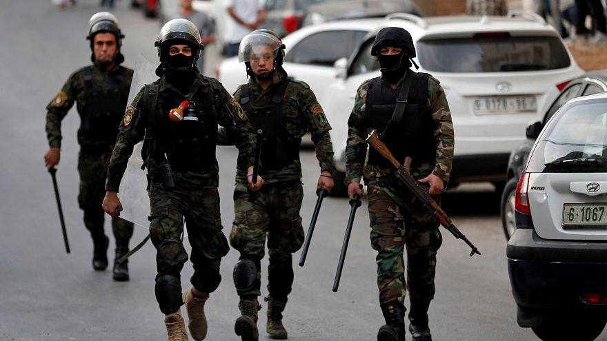 أفراد من الأجهزة الأمنية الفلسطينية