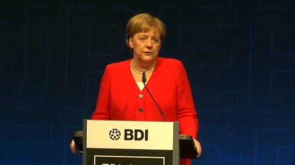 Πρωτοβουλίες ζητά από τη Μέρκελ ο BDI