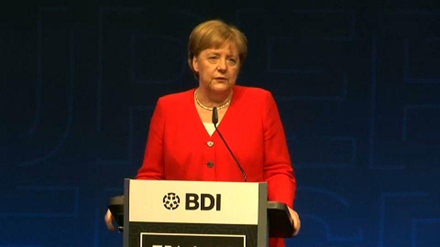 Merkel kontert BDI-Angriff