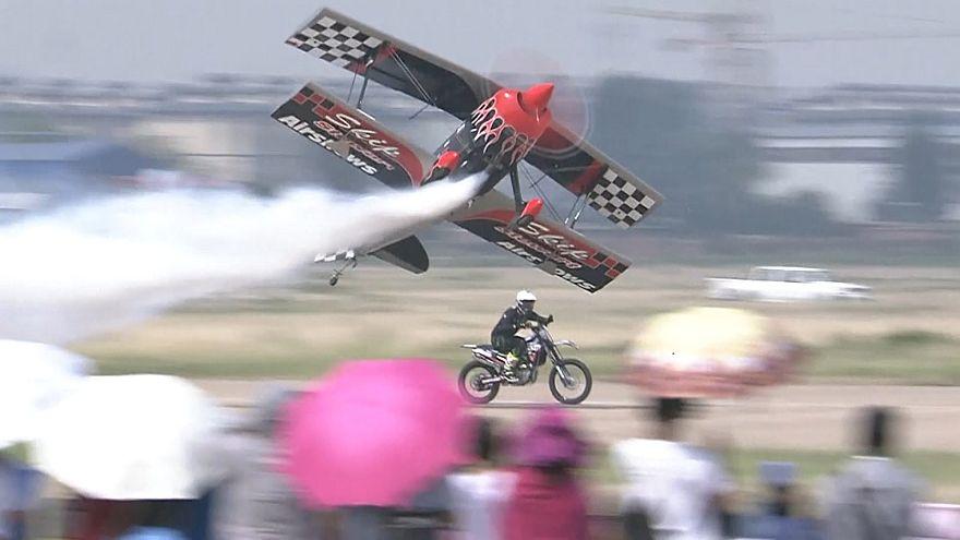 رقابت خوردو و هواپیما در جشنواره هوایی آنیانگ چین