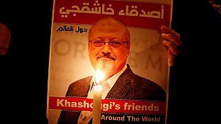 ملصق يحمل صورة خاشقجي