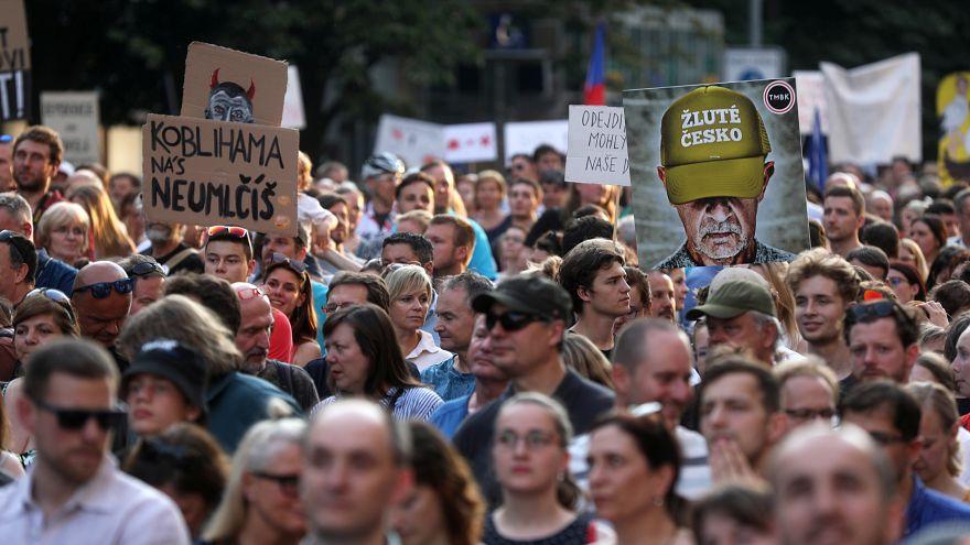 Μαζική διαδήλωση στην Πράγα με αίτημα την παραίτηση Μπάμπις