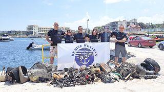 Καθαρισμός βυθού στο Μάτι από την ομάδα We dive We Clean