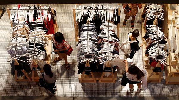 Γαλλία: Έρχεται η απαγόρευση καταστροφής καταναλωτικών προϊόντων που δεν έχουν πωληθεί