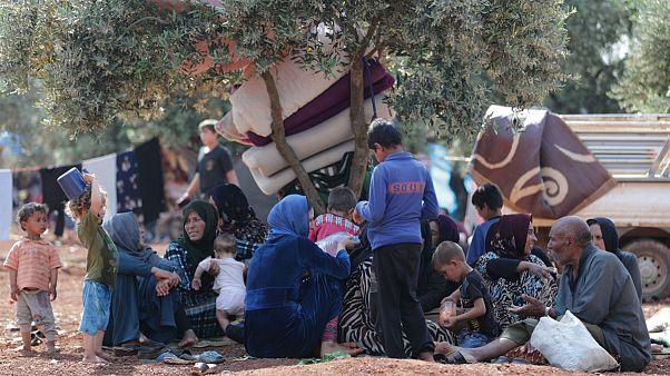 آوارگی هزاران سوری به دلیل آتش زدن مزارعشان توسط شورشیان