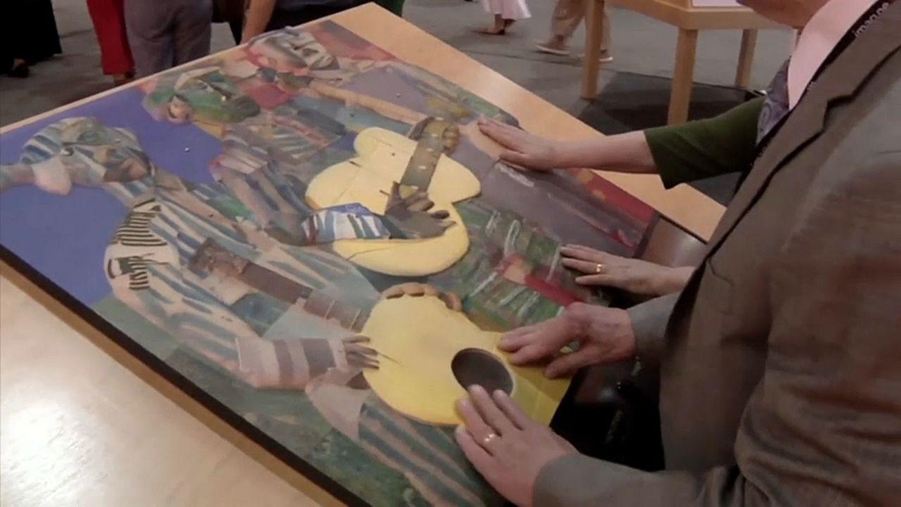 Explorar el arte con las yemas de los dedos