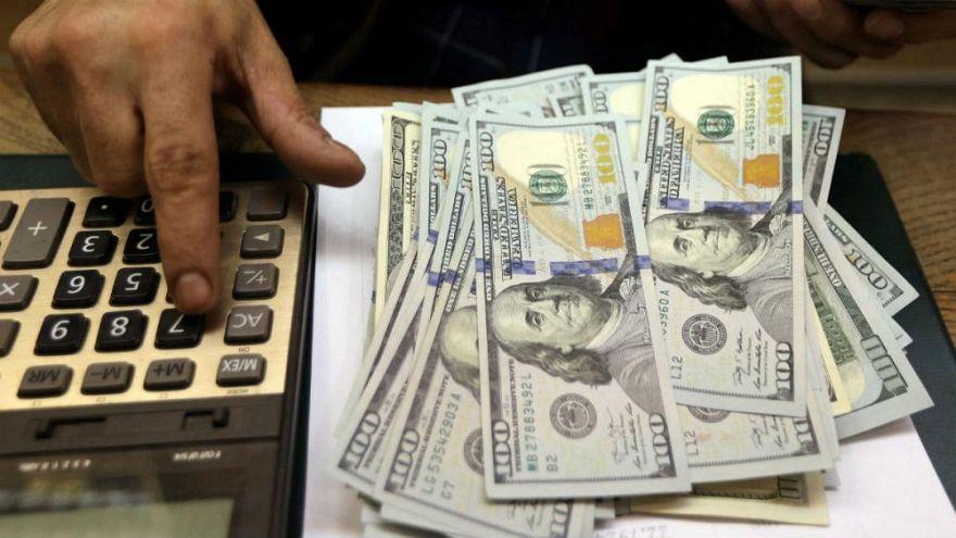 فراز و فرود نرخ دلار از سکه طلا پیشی گرفت