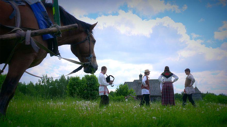 Au Belarus, un village traditionnel vous fait basculer dans le Moyen-Âge