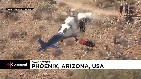 Hubschrauber-Rettung: Trage mit verletzter Frau dreht durch