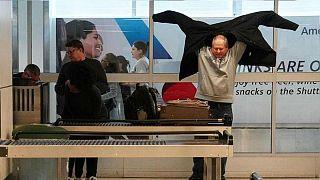 ممنوعیتهای عجیب کشورها برای واردات کالای همراه مسافر