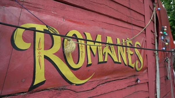 Il circo rom in cerca di ingaggi