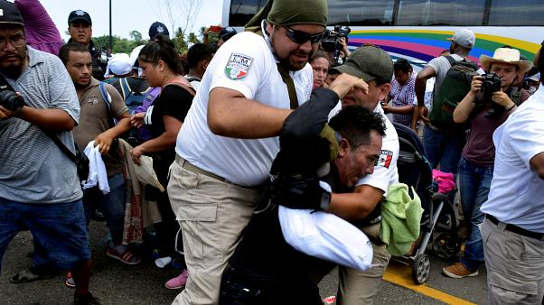 Власти Мексики остановили караван мигрантов