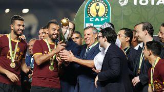 لاعبي الترجي التونسي خلال تسلمهم لكأس دورى أبطال إفريقيا في مبارة الإياب