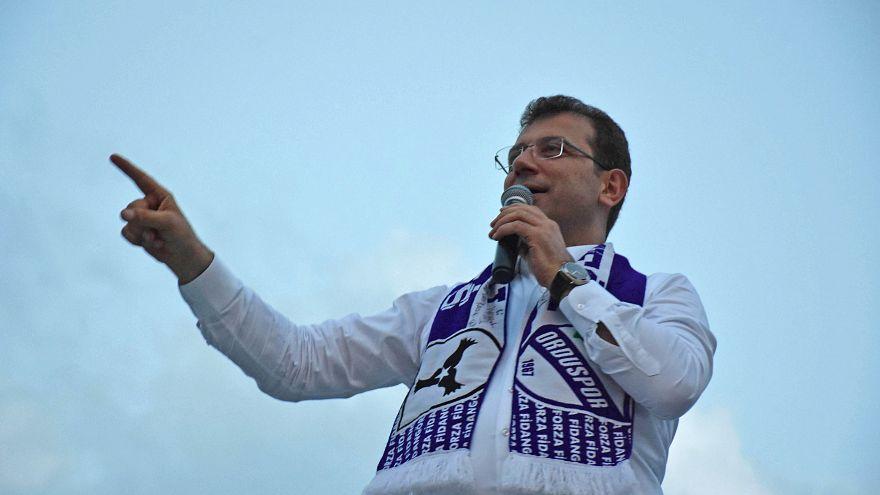 Ekrem İmamoğlu, Ordu Cumhuriyet Meydanı'nda vatandaşlarla buluştu.