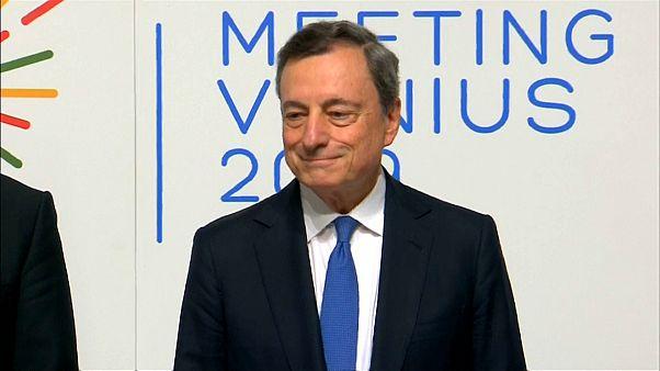 Draghi boccia i mini-bot