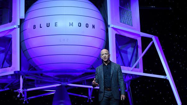 Amazon Tepe Yöneticisi Jeff Bezos: 10 yıl içinde insan yerine 'robot eller' kullanılacak