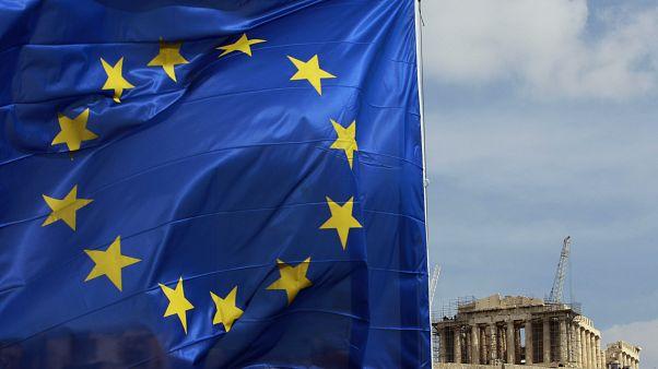 Η Κομισιόν δεν έχει εγκρίνει την κατάργηση της μείωσης του αφορολόγητου στην Ελλάδα