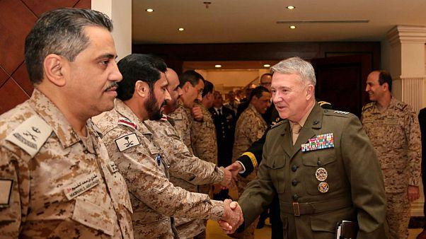 فرمانده سنتكام: نشانهها حاکی از عقب نشینی ایران از مواضعش است