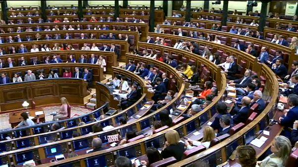 La investidura de Sánchez aguarda el reparto de poder en España