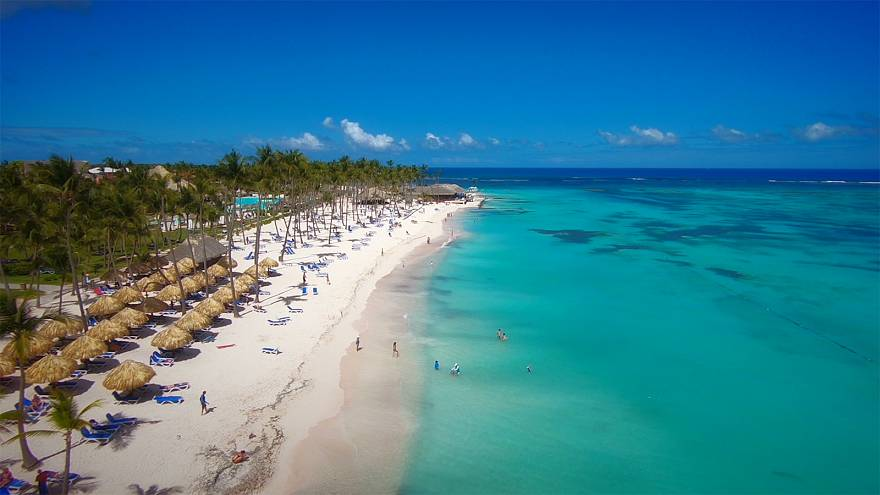 Cool off and relax on white sands and swim in warm turquoise sea – visit Varadero in Cuba