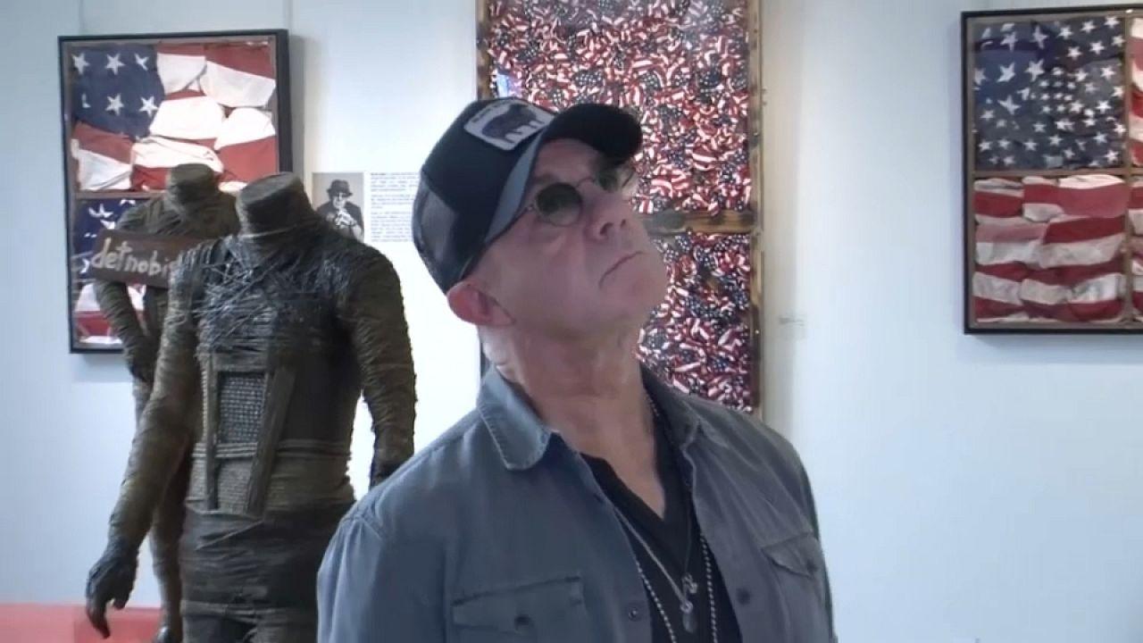 Bernie Taupin: Kunst mit kaputten Gitarren