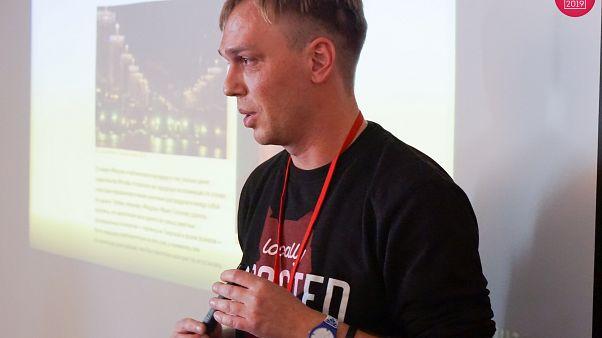 Polémica detención de un periodista independiente en Rusia