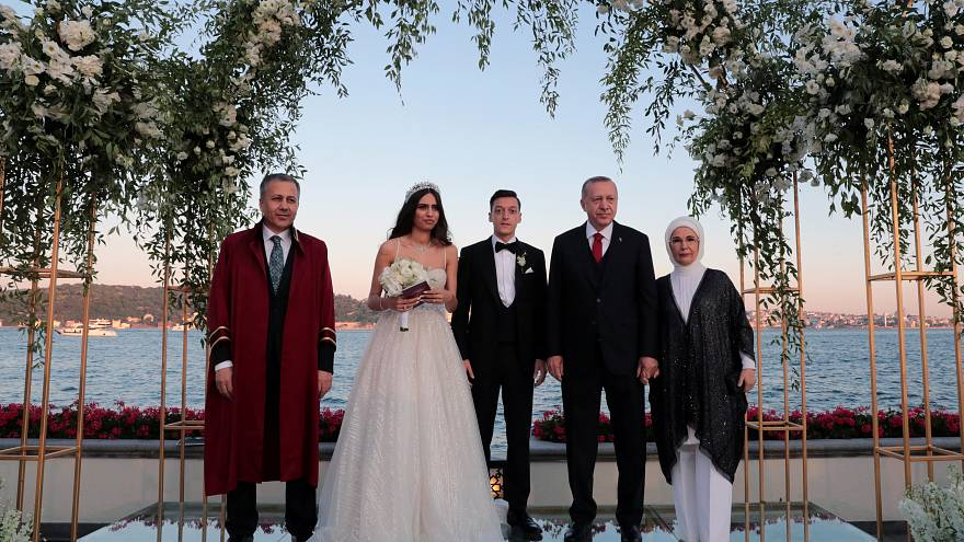 Turkish president is witness at football star Mesut Özil's wedding