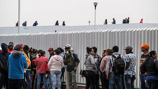 توافق آمریکا و مکزیک درباره مهاجران؛ ترامپ اعمال تعرفهها را معلق کرد