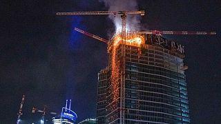 آتشسوزی در برج ۱۳۰ متری در حال ساخت ورشو