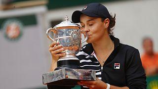 Avustralyalı Ashleigh Barty ilk Grand Slam şampiyonluğunu Fransa Açık'ta aldı