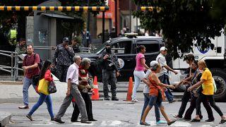 توقف مذاکرات مخالفان با دولت ونزوئلا؛ هواداران مادورو میگویند اپوزیسیون رهبر ندارد