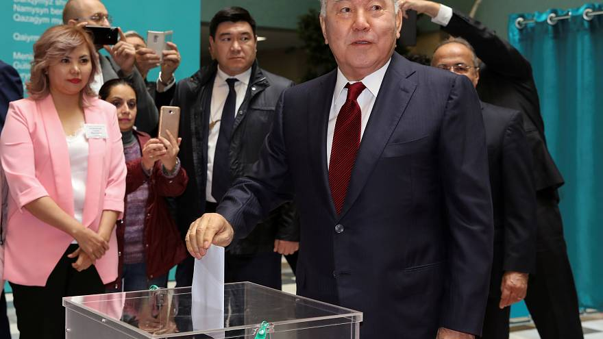 Kazakhstan election: Hundreds rounded up in protests