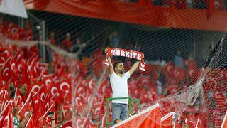 Şenol Güneş: Moral ve güven kazandık; Deschamps: Türkiye, ciddi kalite ortaya koyarak maçı kazandı