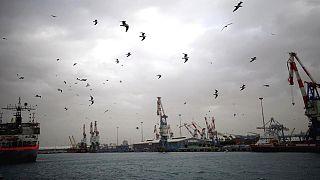 Türkiye'den İsrail'e giden kargo gemisi kaçak bir yolcu tarafından ateşe verildi
